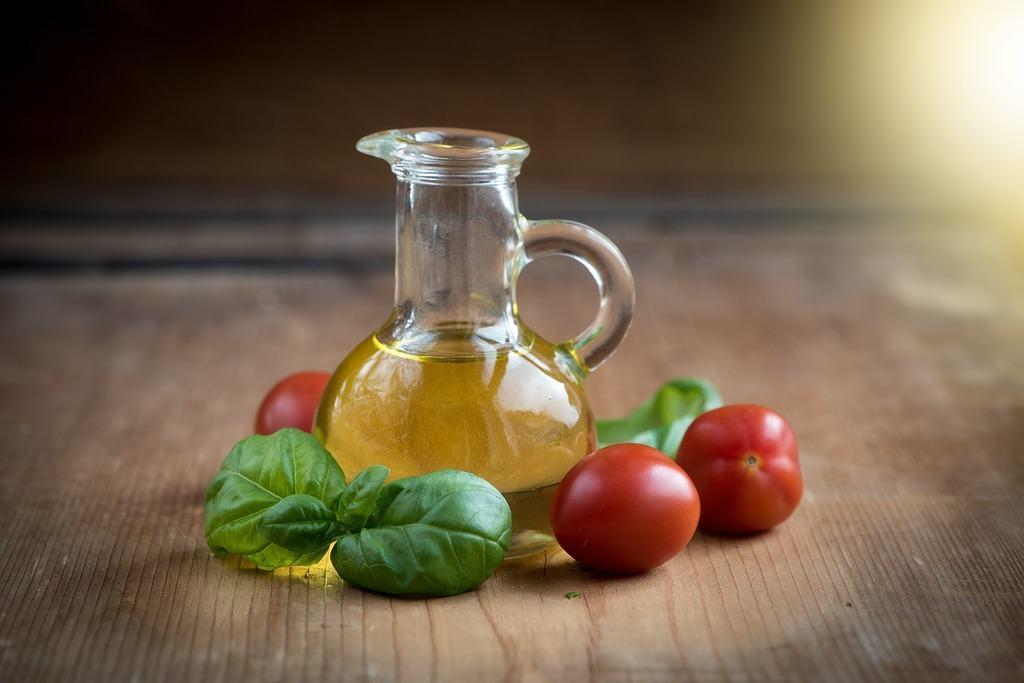 tomato basil olive oil